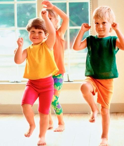Стихи с движениями для детей 1 - 5 лет