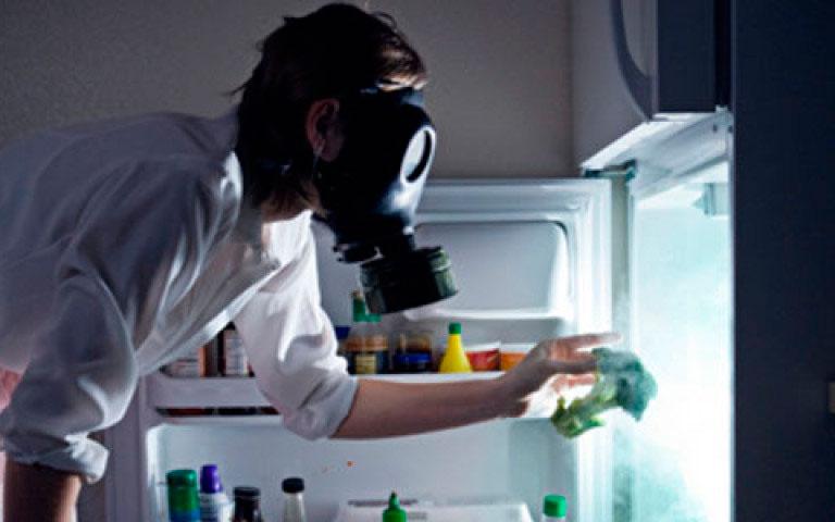 как убрать неприятный запах из квартиры
