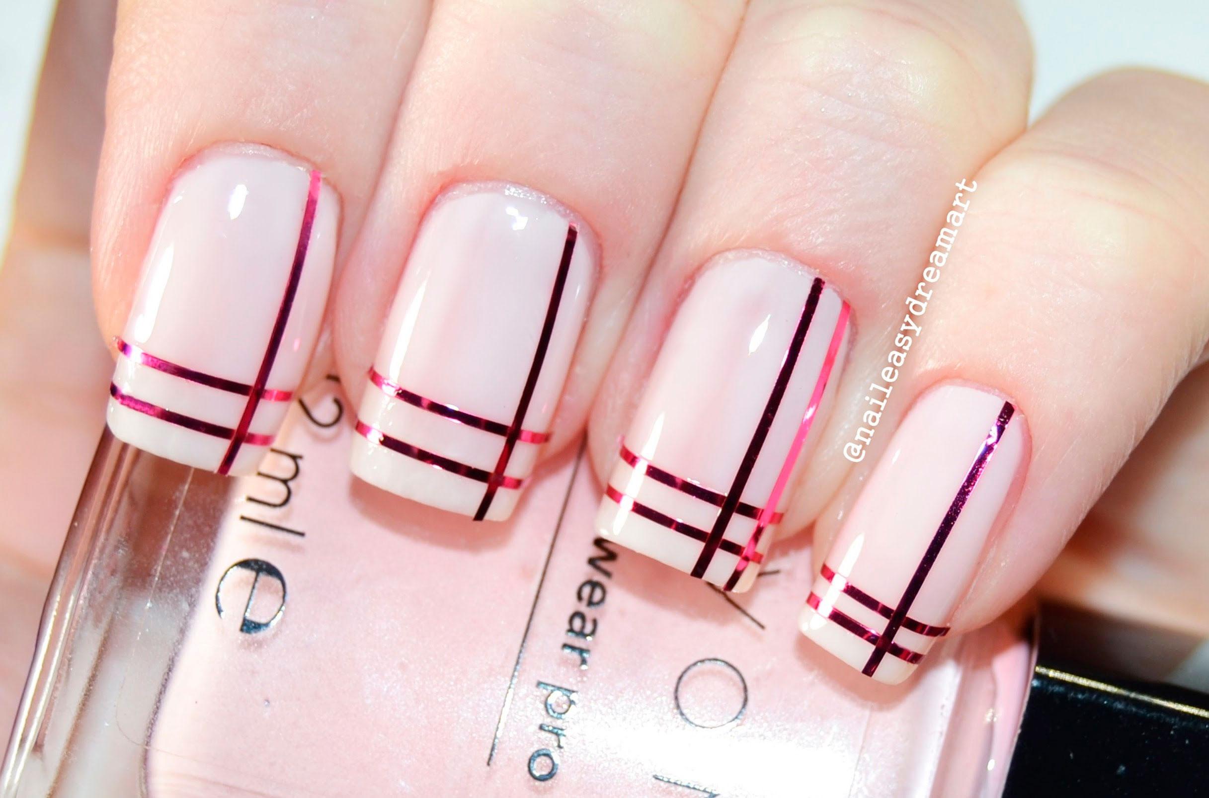 дизайн ногтей полоски