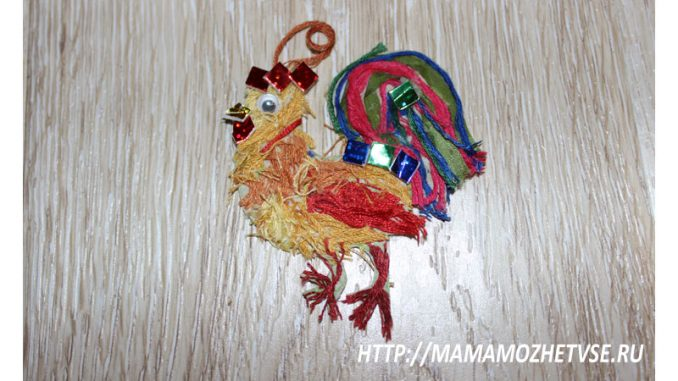 новогодняя поделка петушок из картона и ниток в детский сад