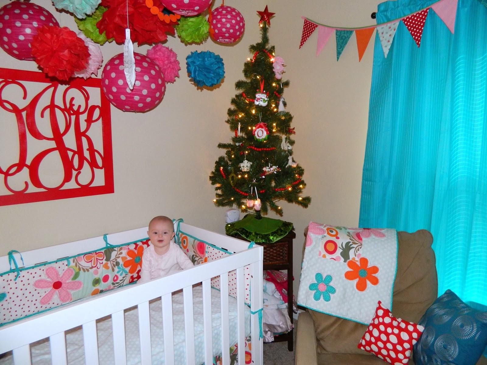 новогодний декор в комнате малыша