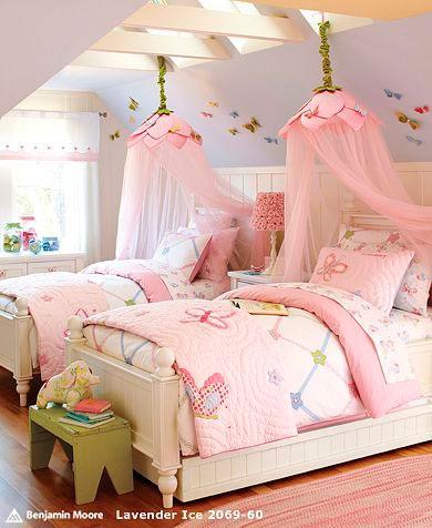 розовый и фиолетовый в интерьере детской комнаты
