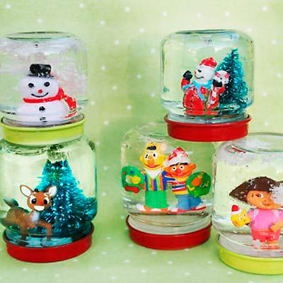 snow globe from baby food jars
