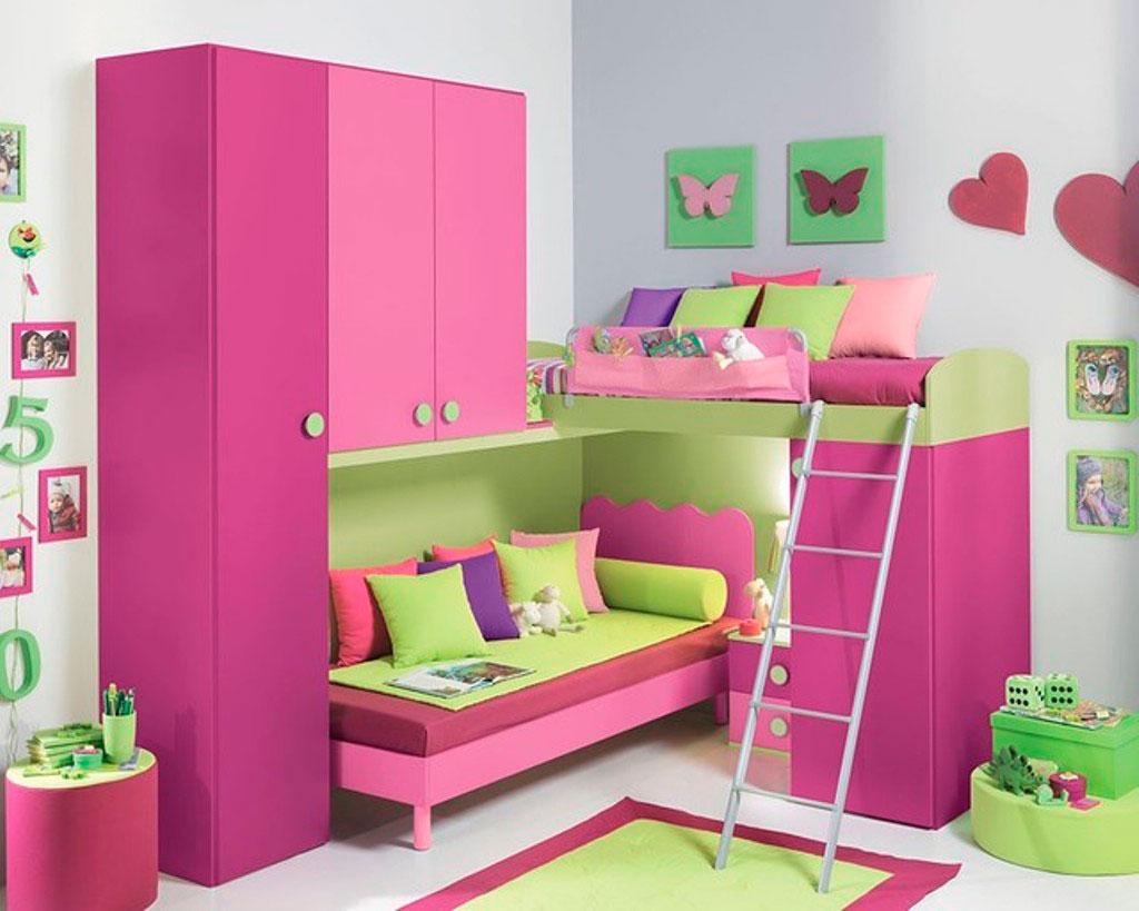 зеленый в сочетании с фиолетовым цветом в комнате ребенка