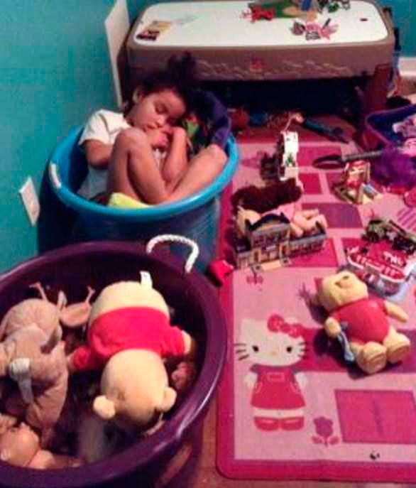 дети смешно спят