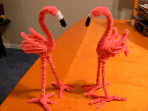 розовые фламинго из пушистой проволоки