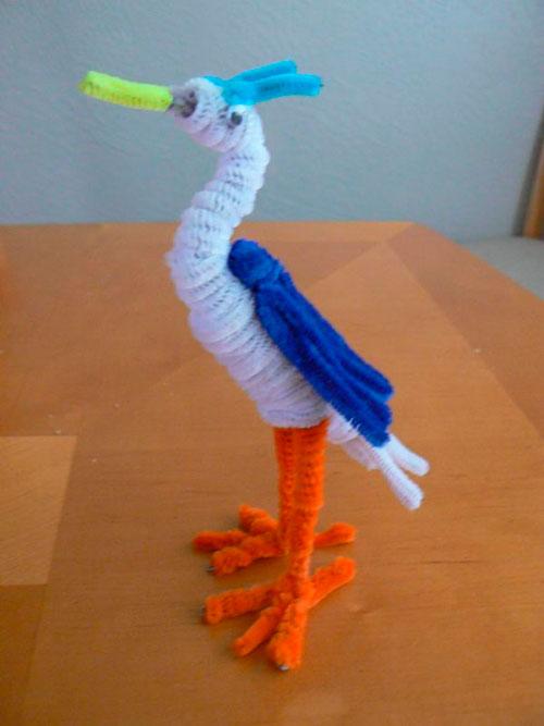 детская поделка птица из пушистой проволоки