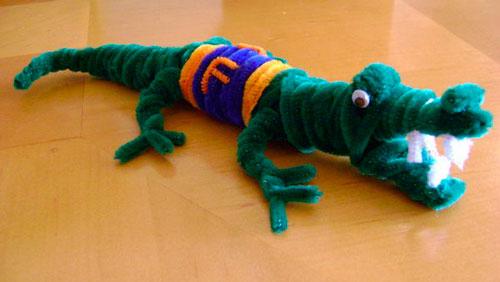крокодил из пушистой проволоки