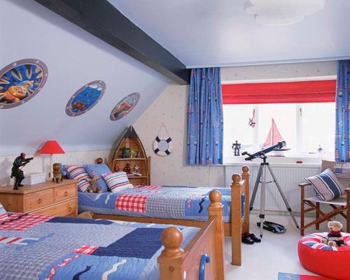 Детская мансардная комната для мальчика
