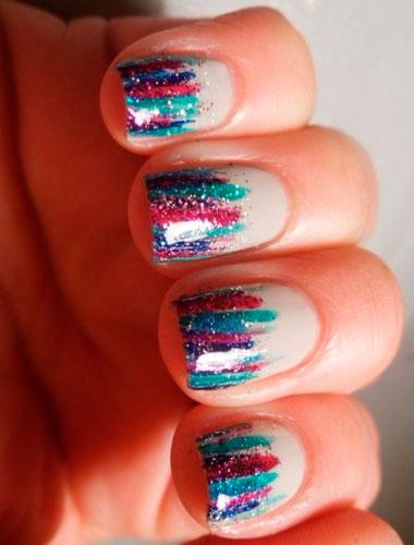 разноцветные блестки на ногтях
