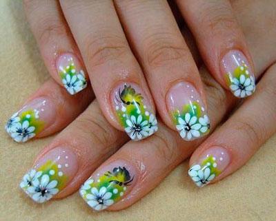 красивый маникюр с цветами 4