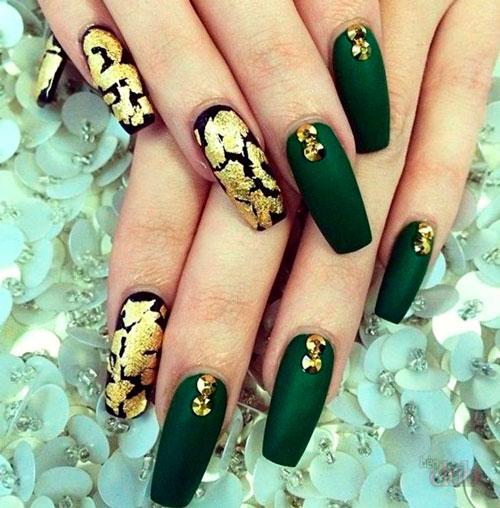 книга является ногти зеленые с золотом собрали