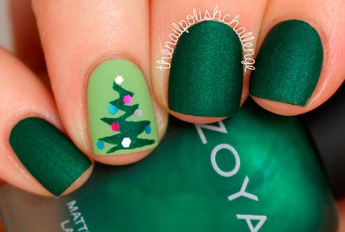 Новогодний вариант покрытия ногтей в изумрудном цвете 2