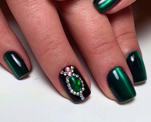 Изумрудное покрытие со стразами для ногтей 3