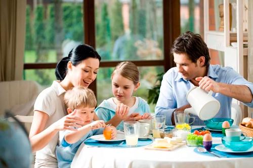 совместный завтрак - одна из лучших семейных традиций