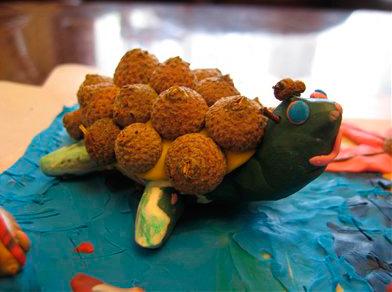 черепаха из желудей