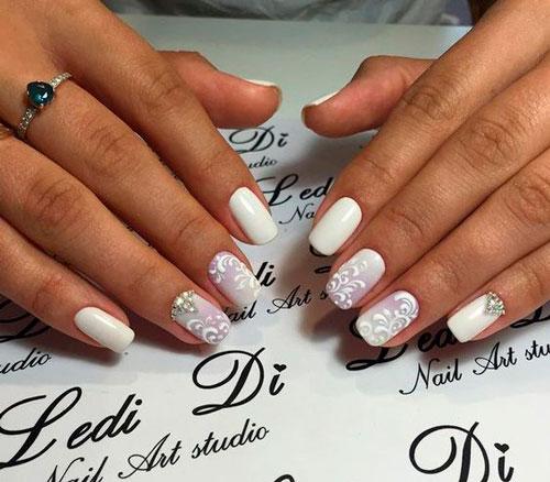 красивый дизан ногтей в белом цвете