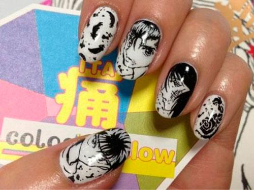 дизайн ногтей в белом цвете с черным рисунком