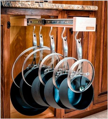 Порядок на кухне: хранение кострюль