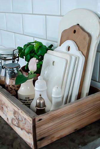 идея как навести порядок на маленькой кухне: ящик
