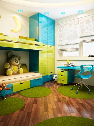двухяросная кровать в детской комнате
