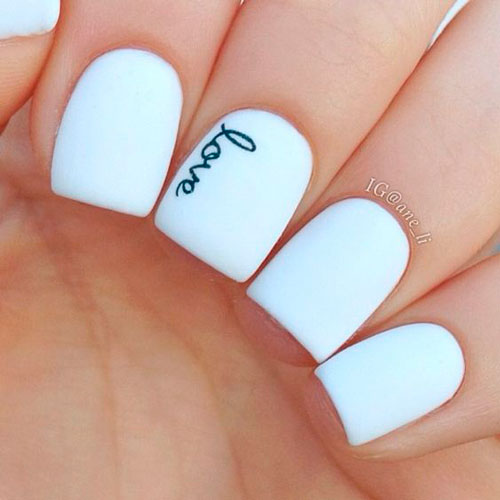 nail design in white color minimalism 3
