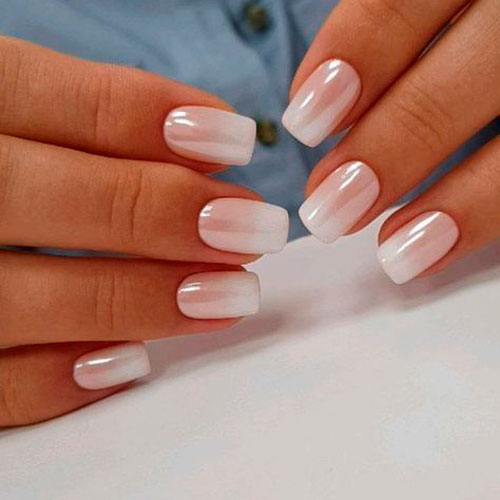 дизайн ногтей в белом цвете градиент
