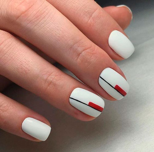nail design in white color minimalism 2