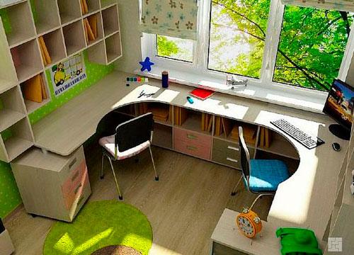 рабочий стол у окна в детской