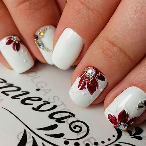 дизайн ногтей белый со стразами 2