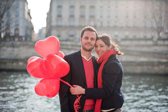 Фото на день святого Валентина на улице