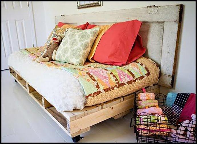 диван из палет