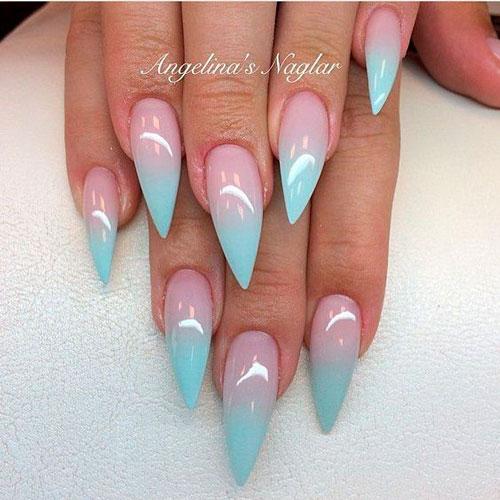 острая форма ногтей голубого цвета