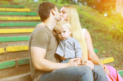 Как отучить ребенка сосать палец в четыре года