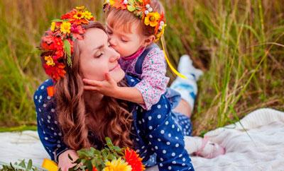 Загадки про маму для детей школьного возраста