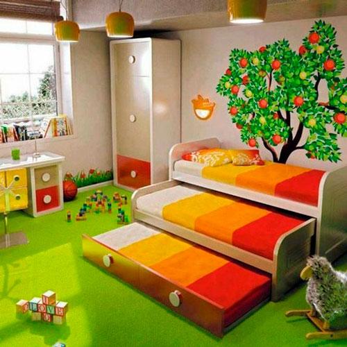 кровати выкатываются одна из под другой в детской