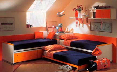 как расположить мебель в детской для трех детей 4