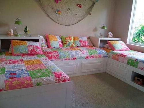 фото расположения кроватей в детской для трех детей