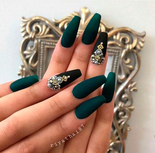красивый дизайн ногтей с формой балерина