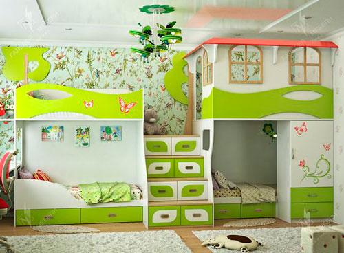 Зеленая детская комната с домиком