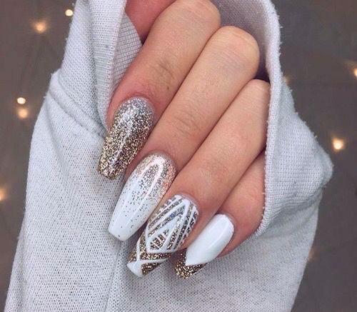 фото дизайна белых ногтей формы балерина