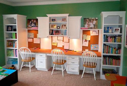 фото расположения рабочего места в комнате для трех детей 4