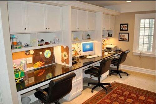фото расположения рабочего места в комнате для трех детей 6