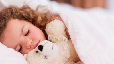 Ребенок просыпается с истерикой днем