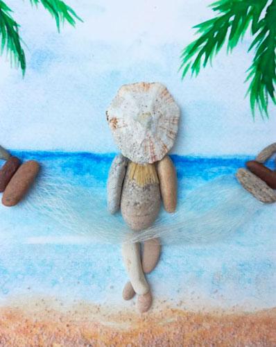 Композиция из морских камешков
