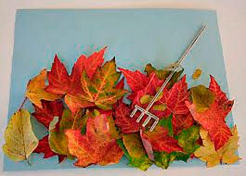 Осенняя аппликация из листьев для малышей