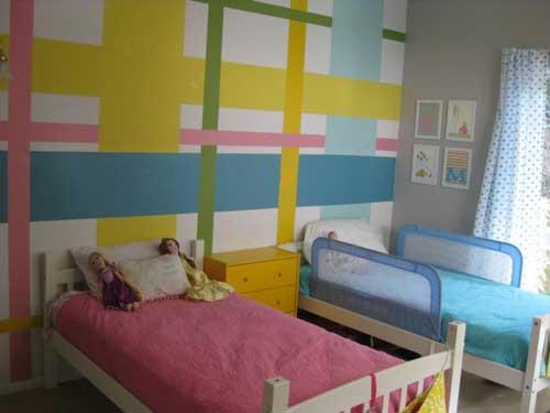 расположение кроватей в детской комнате для двоих детей 7
