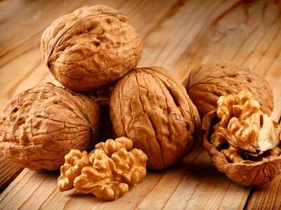 Сколько нужно есть орехов взрослому