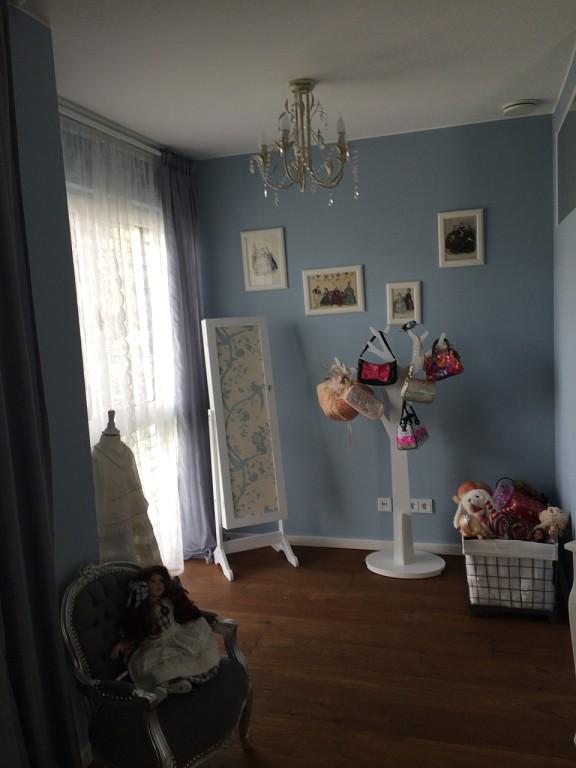 голубой цвет в детской комнате для девочки 2