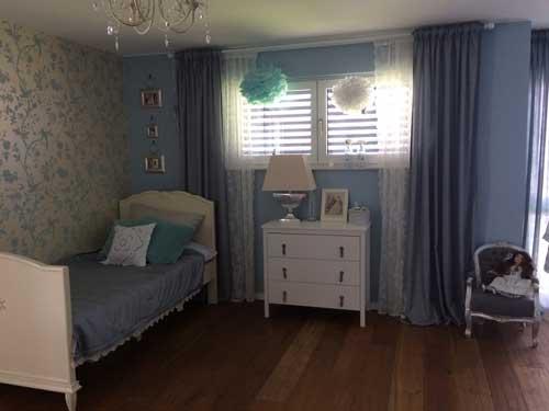синий цвет в комнате для девочки